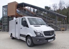 Gepanzerter Werttransporter auf Basis des Mercedes-Benz Sprinter mit Tiefrahmenfahrgestell