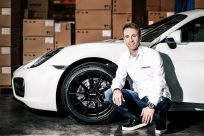 Autogrammstunde mit Timo Bernhard, dem zweifachen Langstreckenweltmeister und Gesamtsiger der 24 Stunden von Le Mans