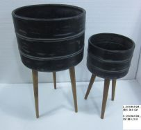 Metal/wood plant pot