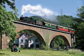 "4 Dampflokbetrieb mit Mallet-Lokomotive ""11sm"""